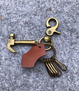 Schlüssel mit Hammer
