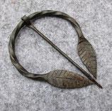 Blattfibel aus Eisen