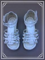 Witte sandaaltjes - Maat 30