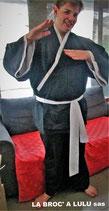 Tenue Kimono noir parements blancs Gosplay