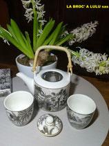 Tête à Tête : Théière et 2 Gobelets porcelaine décorée EASY-LIFE