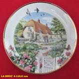 Assiette décorative « Rose cottage » en fine porcelaine anglaise