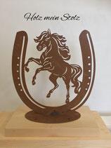 Pferd in Hufeisen