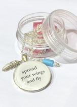 "Spruchkette ""spread your wings and fly"""