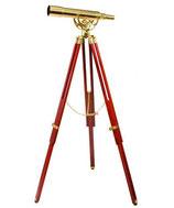 Klassisches Messing Teleskop mit azimutaler Montierung