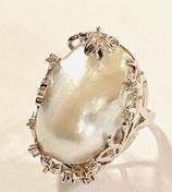 Ring  White