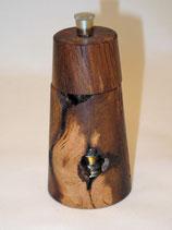 Kräutermühle aus Rebenholz A