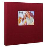 Album cuadrado con ventana en portada.  Para 200 fotos 10x15 cm.  Espacio para escribir.  Tela roja