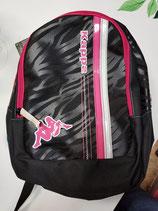 Mochila Kappa negro y rosa.  Varios bolsillos.  Espalda reforzada