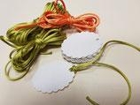 Etiquetas blancas troqueladas ovaladas con ondas + cintas (006)