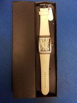 Reloj de pulsera correa color crema