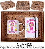 Cajita para regalo de comunión con taza y libreta A6. Color rosa.
