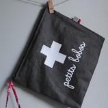 "Trousse à pharmacie ""petits bobos"""