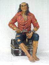 RÉPLICA DE PIRATA DESCALZO SENTADO EN UN COFRE | Réplicas de piratas