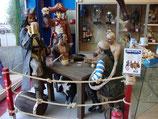 CONJUNTO DE PIRATAS EN TAVERNA JUGANDO A CARTAS | Figuras de piratas