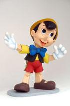 FIGURA DE PINOCHO CON POSE DIVERTIDA | Figuras de Pinocho