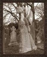 Decoración de terror para decorar halloween con esta répilca de cuadro fantasmal