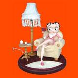 Réplica de betty con lampara