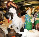 Réplica de caballo gracioso trotando para decorar fiestas infantiles
