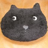 猫顔のふわふわクッション