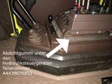 Abdichtgummi unter den Hydrauliksteuergeräten