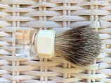 Rasierpinsel Acrylglas Transparent / Ecru & Silberdachs-Haar