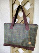 Tweed-Shopper