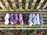 Strangwolle mit Naturfarben gefärbt