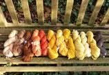 Strangwolle handgefärbt mit Naturfarben