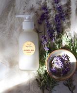 ラベンダーミルク クレンジング マッサージ  Lavender Milk Cleansing and massage milk