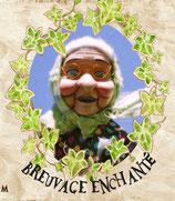 BREUVAGE ENCHANTE: Pomme, hibiscus, feuilles de mûrier, menthe, dolique, camomille, feuilles de framboisier, arôme, pétales de tournesol, mûre, framboise.