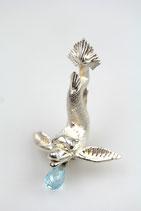 """""""Delfin"""" Anhänger, groß, 925/- Sterling Silber mit blauem Topas"""