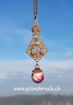 EINZELSTÜCK - Rosenblättli in Kunstharzeingegossen an einem bronzefarbenen Anhänger inkl. Kette Nr.  552
