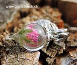 EINZELSTÜCK - winziger Tropfen mit mini Rosenblüte in Kunstharz eingegossen mit Blattanhänger - silberfarben - klein (Nr 168)