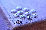 10 Stkück Perlenkappen verschnörkelt, 1cm, silber- und bronzefarben erhältlich