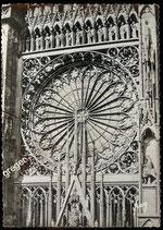 AK Strasbourg La Cathédrale, La Rose    2-l