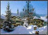 AK Ruhpolding, Dorfplatz mit Pfarrkirche, Maibaum und tiefverschneiten Dorfbrunnen    34/20