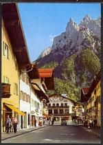 AK Mittenwald, Hochstrasse und Blickgegen Karwendelgebirge   34/26