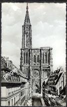 AK Strasbourg, la Cathédrale et la Rue Mecière   40/28