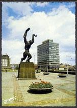 AK Rotterdam, Denkmal Zertrümmerte Stadt    49/26