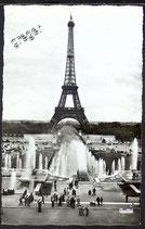 AK Paris, la Tour Eiffel et les Fontaines du Palais de Challot   40/23