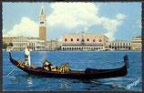 AK Venedig Panorama und Gondel   42/10