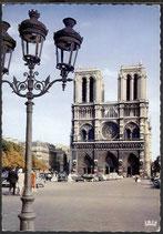 AK Paris Le Parvis Notre-Dame    s/6