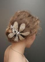 Kopfschmuck mit Perlenblüten silber