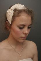 Filzschleife mit Perlen