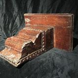 Wandkonsole oder Bücherstütze