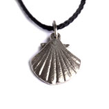 pendant scallop small silver bronze