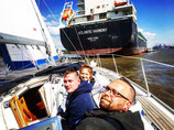 """Cruise and Sail"". From/to HAMBURG. Price for one person. Duration: 2,5 hours"