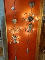 Engel zum Hängen mit LED Licht in 2 Varianten (hier weiß/silber)