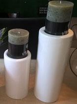 runder Keramikkerzenständer champagnerfarben 18 cm Höhe, glasiert, hier links im Bild
